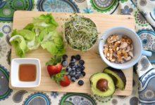 Photo of 13 نصيحة غذائية لمرضي سرطان الثدي وللوقاية منه