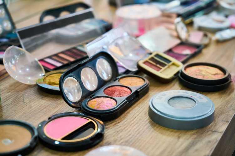 السموم الضارة في مستحضرات التجميل وما يجب عليك تجنبه