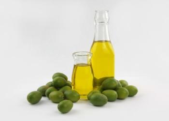تعرفِ على فوائد زيت الزيتون للبشرة الجافة