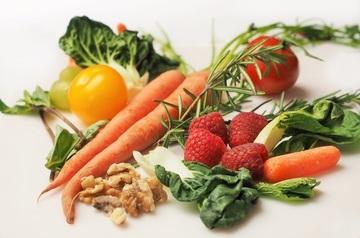 افضل 15 نوع من الأطعمة الواجب تناولها أثناء الحمل لتغذيتك أنت وطفلك