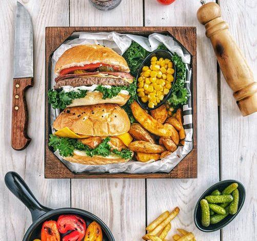 ادمان الطعام: تعرف على 18 نوع من الأطعمة الأكثر إدمانًا و 17 نوع من الأطعمة الأقل إدمانًا