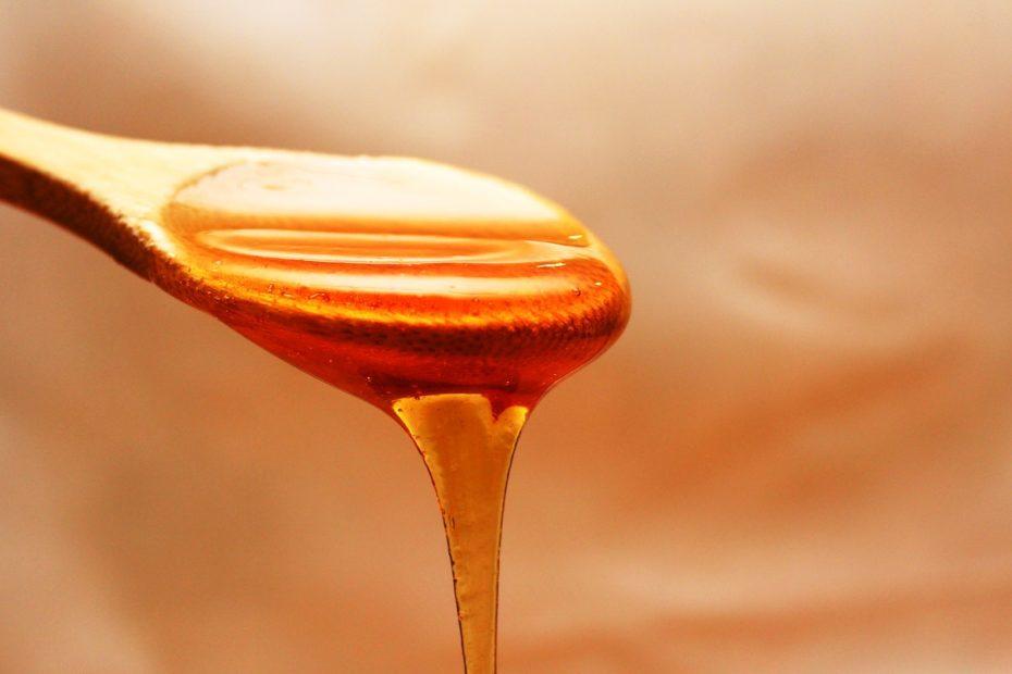 هل يعتبر العسل علاج فعال لأعراض نزلات البرد والسعال والاحتقان؟